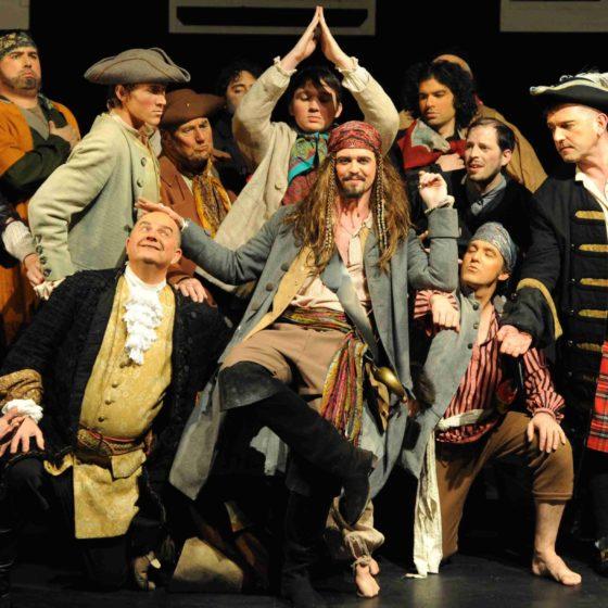 Pirates Leeds G and S